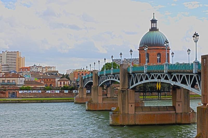 Changer d'air et se dépayser autrement : partir à Toulouse